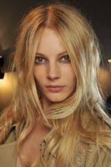Frisuren F Lange Glatte Haare by Lange Glatte Haare Mit Seitenscheitel Bilder