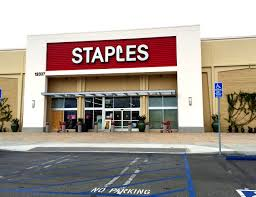 staples open on thanksgiving staples closing another 70 stores as north american sales sink