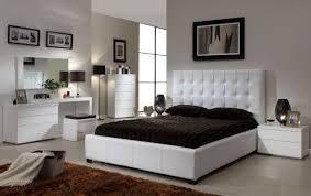 Choosing Bedroom Furniture Bedroom Choosing Best Furniture For Queen Bedroom Harmony For Home
