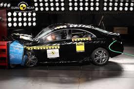 crash test siege auto 2013 crash tests euroncap 5 étoiles pour le peugeot 2008 et les autres