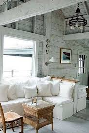 Beach Home Interior by Best 25 New England Cottage Ideas Only On Pinterest New England