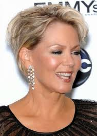 amazing short hairstyles for women over 60 with fine thin hair