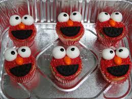 elmo cupcakes elmo cupcakes a joyful servant