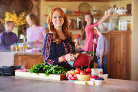 hearst magazine customer service pioneer woman ree drummond u0027s magazine get a first look at the