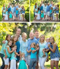 family reunion photos with great family by tripple