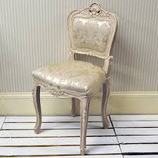 vintage bedroom chairs best 25 antique chairs ideas on pinterest pink vintage bedroom