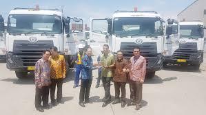 mitsubishi truck indonesia mitsubishi hino isuzu ud trucks grabs 97 23 market share in