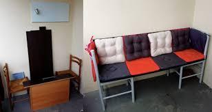 fabriquer canapé fabriquer un canapé à l aide de 2 vieilles chaises et quelques