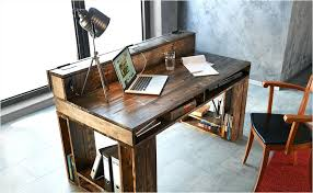 plan pour fabriquer un bureau en bois fabriquer bureau informatique 3 palettes sont suffisants pour