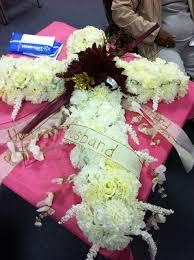 How To Make Floral Arrangements How To Make Floral Arrangement Sympathy Under 60 Snapguide