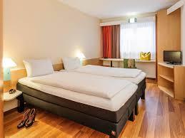 Schlafzimmer Bett M El Martin Hotel In Würzburg Ibis Hotel Würzburg City Buchen