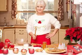 cuisine grand mere grand mère dans la cuisine temps de noël image stock image