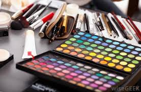 make up artist supplies what does a theater makeup artist do with pictures