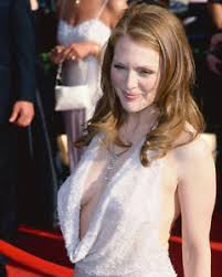 julie ann moore s hair color julianne moore sexy color 24x36 poster print ebay