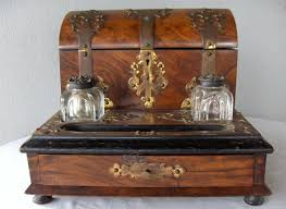 Antique Writing Table Best 25 Antique Writing Desk Ideas On Pinterest Vintage Writing