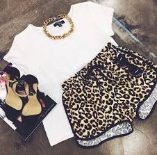 shorts gold chain white t shirt leopard print dope