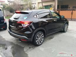 crossover honda honda vezel vs toyota ch r comparing two of the japanese