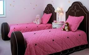 charismatic twins bedroom design ideas for small spaces with bunk furniture girls room with two twin bed having red tall headboard gallery 20 images of enthralling home decor