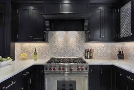 Black And White Kitchens 2017 Grasscloth Wallpaper by Cream Black Pattern Wallpaper Dark Brown Chairs Granite Countertop