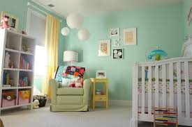 chambre enfant verte déco de la chambre bébé fille sans en 25 idées vert