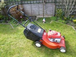 sovereign self propelled lawn mower with honda gcv160 5 5 engine