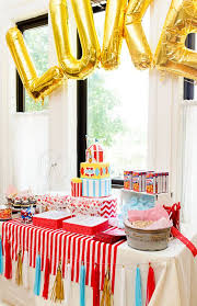 Carnival Themed Table Decorations 446 Best Circus Carnival Party Images On Pinterest Carnival