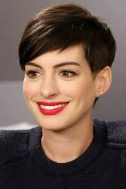 short hair styles that lift face the best short hairstyles for oval faces southern living