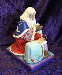santa and baby jesus kneeling santa with baby jesus jim shore yonder christmas