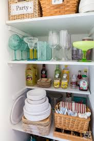 what of primer should i use on kitchen cabinets my closet is ready for the season in my own
