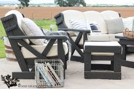 Outdoor Wood Patio Furniture Outdoor Patio Furniture Makeover The Wood Grain Cottage