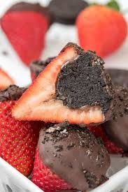 strawberry dipped in chocolate oreo truffle dipped strawberries for crust