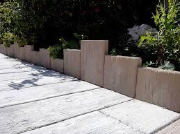terrasses et jardin bordure pierre planche bois noir
