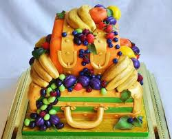 use fruits as a cake decoration