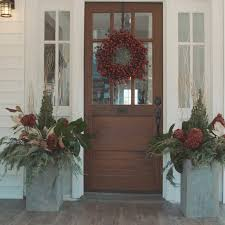 Decorate Outside Entryway Christmas by 77 Diy Christmas Decorating Ideas Spray Painting Sprays And Natural