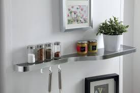 tablette cuisine etagère en verre pour habiller la cuisine