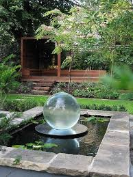 Small Backyard Water Features by Best 25 Modern Outdoor Fountains Ideas On Pinterest Modern