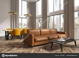 salotto sala da pranzo angolo salotto e sala da pranzo panoramico marrone foto stock