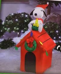 snoopy doghouse christmas decoration new peanuts snoopy woodstock dog house lighted christmas airblown