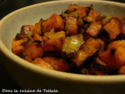 cuisiner la patate douce poêlée de patates douces et amandes effilées au curry dans la