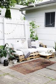 Pallet Sofa Cushions by Best 25 No Sew Cushions Ideas On Pinterest No Sew Pillow Covers