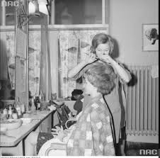 old fashinoned hairdressers and there salon potos 57 best vintage beauty shop images on pinterest beauty shop