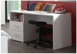 bureau de chambre bureau chambre garon dans une chambre le bureau appartient ces pour