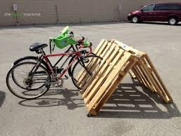 Living Room Bike Rack by 35 Diy Pallet Projects And Ideas To Try Thrillbites