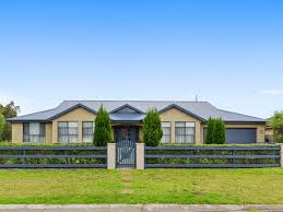 country homes and interiors moss vale 46 beaconsfield road moss vale nsw 2577 property details