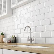 White Gloss Kitchen Ideas Best 25 White Tile Kitchen Ideas On Pinterest Natural Kitchen