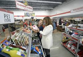 tractor supply black friday tractor supply co cuts the ribbon on new loveland store