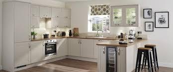 Howdens Kitchen Design Burford Stone Kitchen Range Kitchen Families Howdens Joinery