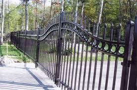 Front Yard Metal Fences - no dig fence he ties the nervous nelly vinyl fence with the