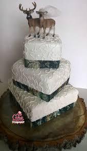 camo cake toppers deer and camo wedding cake happy cake baker creative ideas