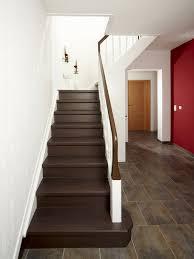 treppe sanieren alte stufen renovieren laminat auf treppen verlegen bauen de